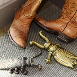 Boot jacks and boots