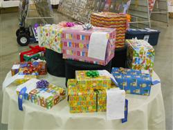 4-H Gift Wrapping Project