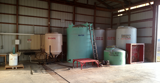 picture of herbicide and water tanks